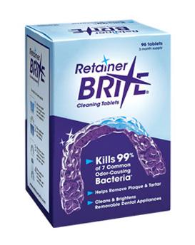 Retainer Brite un produit pour nettoyer les appareils dentaires et orthodontiques qui ne les endommagera pas.