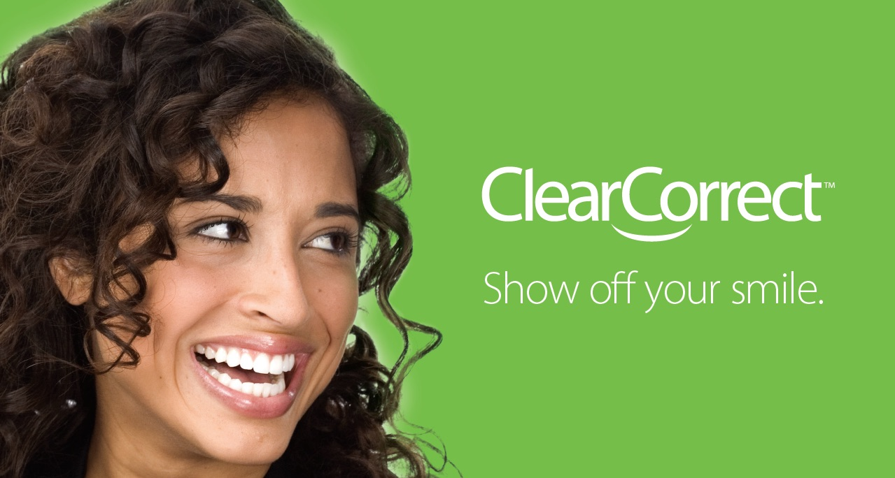Les coquilles transparentes ClearCorrect sont une alternative performante aux coquilles Invisalign.